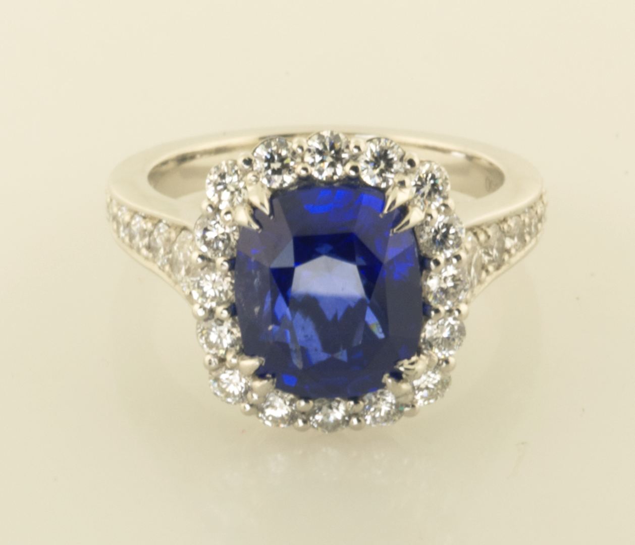 diamond rings shop p seven ring sapphire and platinum for amp stone in
