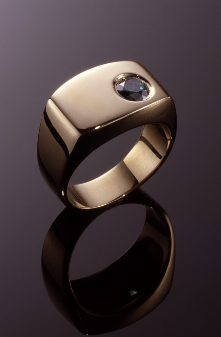 14KT gold and treated blue diaond gents ring