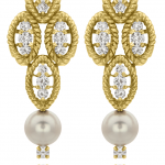 Diamond and pearl earrings in 18KT yellow gold