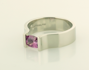 Lavender Sapphire in 18KT white gold ring