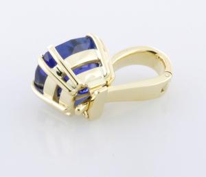6.80ct. Tanzanite set 18KT yellow gold pendant