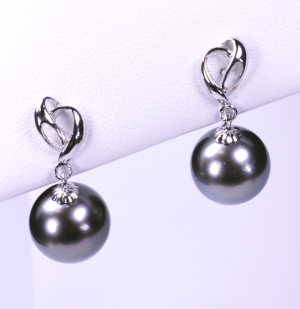 Black Tahitian 10mm pearls set with 14KT white gold heart earrings