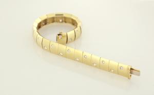 18KT and 1.00ct. Diamond 10mm Multi-Linked Bracelet