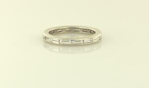 Baguette diamond eternity 2.5 mm band