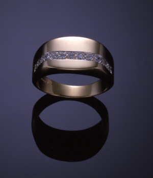 14KT yellow gold and .22ct. diamond pavé gents ring
