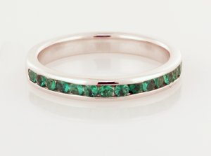 Eternity Band in 18Kt white and emeralds
