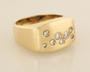Gent's Scatter of Diamonds Ring