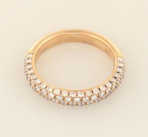 Rose gold diamond pavé ring