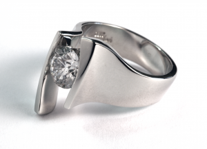 18KT white gold and 1.00ct. round brilliant shaped diamond solitaire