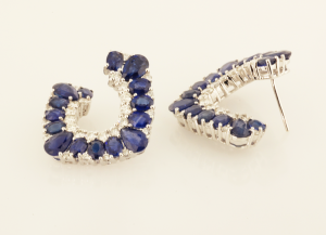 sapphire and diamond earrings in 18KT white gold