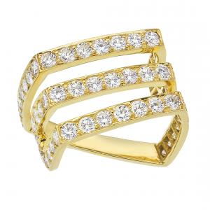 Diamond ring set in 18KT yellow gold.
