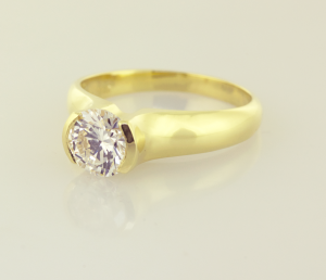 Diamond Modern Solitaire in 18KT gold
